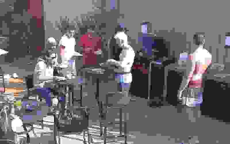 Diversão e comilança: veja as churrascadas da Mansão Power